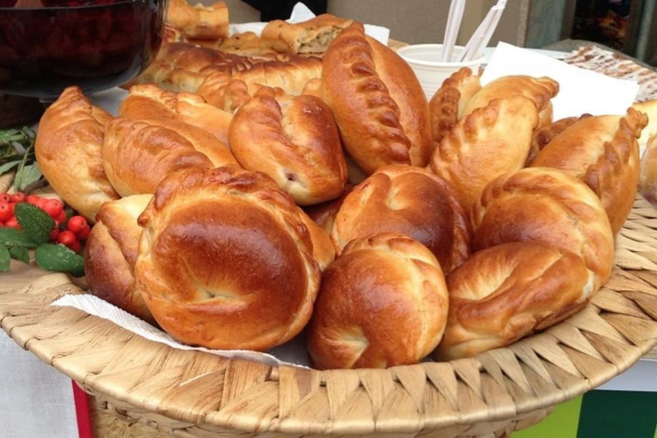 Самая лучшая уличная еда стран Пирожки Россия