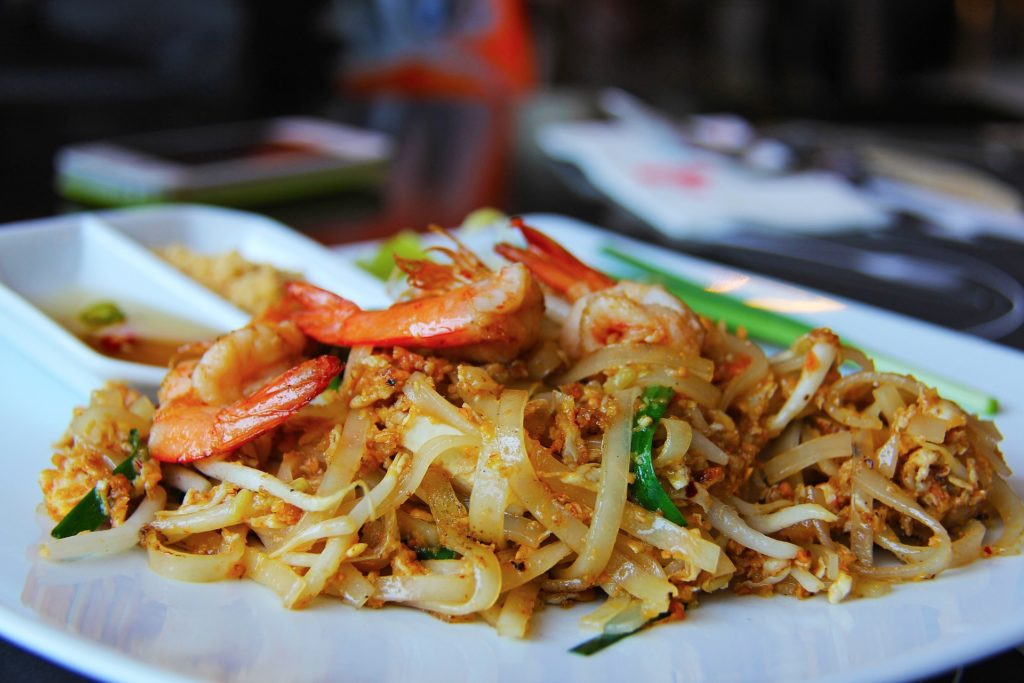 Уличные блюда разных стран лучшие Пад Тай