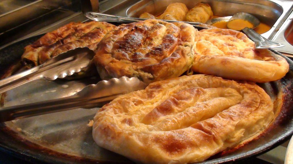 Уличная еда Словения Бурек