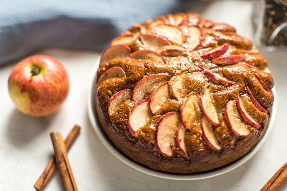 Как приготовить шарлотку с яблоками в духовке рецепт пошаговый