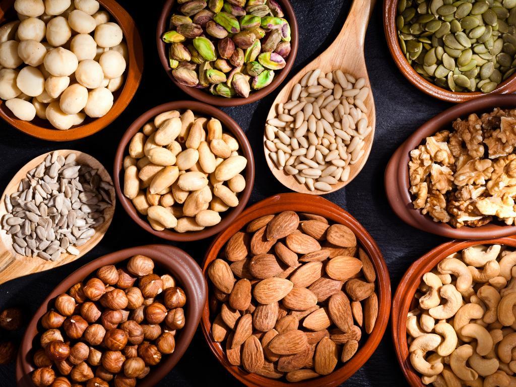 Сколько орехов можно есть в день (кедровых, грецких)?