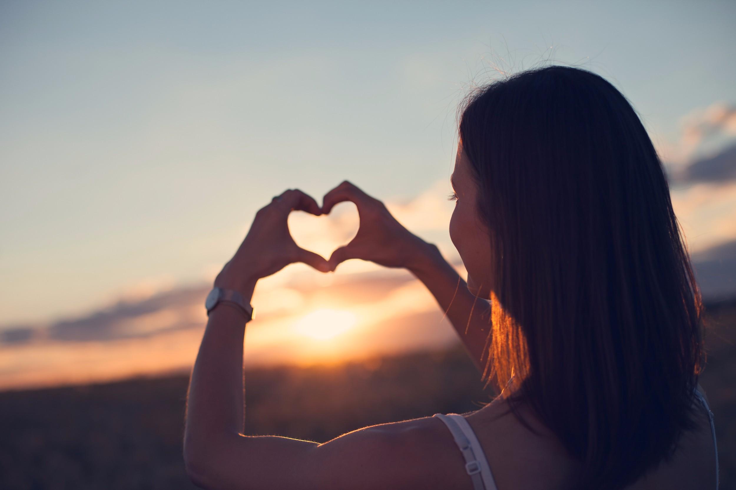 Картинки с сердцами для девушек
