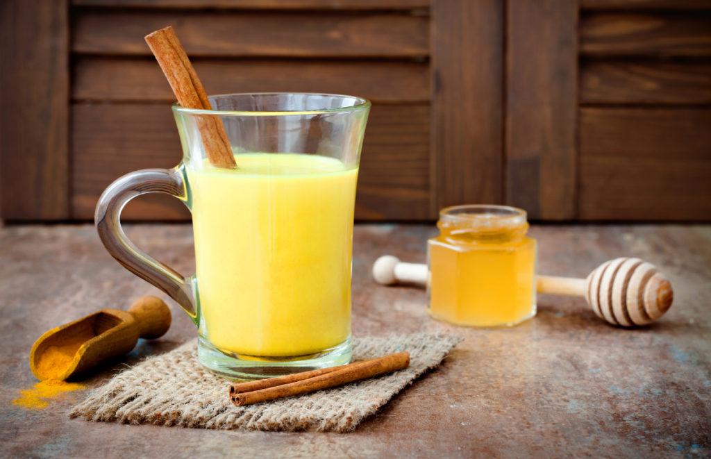 Куркума с медом и корицей