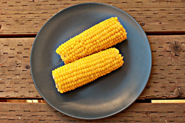 Сколько варить замороженную кукурузу