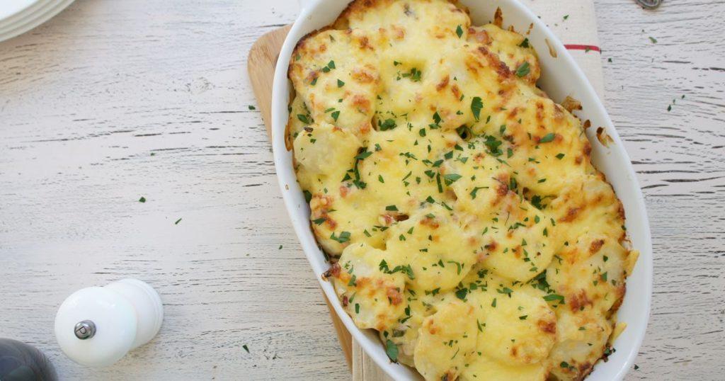 Картофель, запеченный в сливках под сыром