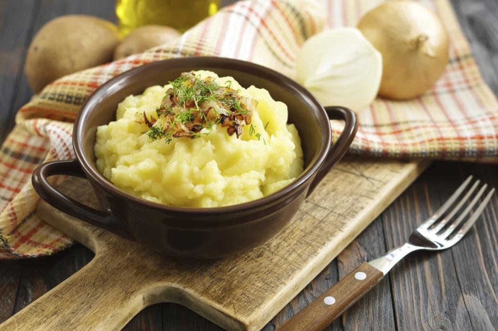 Картофельное пюре с кокосовым молоком и луком